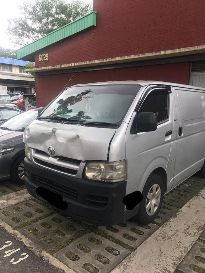toyota hiace front accident repair